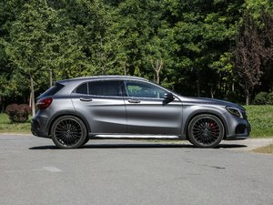 2018款AMG GLA 45 4MATIC 整体外观