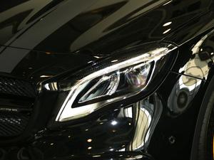 2018款AMG GLA 45 4MATIC暗夜雷霆限量版 头灯