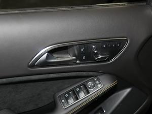 2018款AMG GLA 45 4MATIC暗夜雷霆限量版 座椅调节