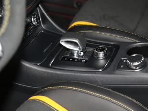 2018款AMG GLA 45 4MATIC暗夜雷霆限量版 变速挡杆