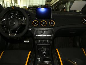 2018款AMG GLA 45 4MATIC暗夜雷霆限量版 中控台