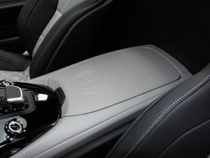 2018款AMG GT C 中国特别版 前排中央扶手