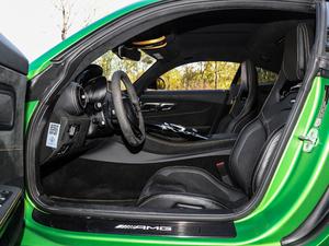 2017款AMG GT R 前排空间