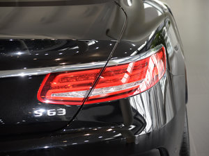 2017款AMG S 63 Coupe 尾灯