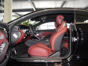 2017款AMG S 63 Coupe 前排空间