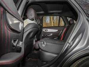 2017款AMG GLC 43 4MATIC 特别版 后排座椅放倒