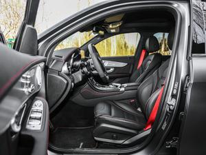 2017款AMG GLC 43 4MATIC 特别版 前排空间
