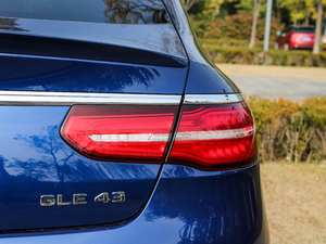 2017款AMG GLE 43 4MATIC 尾灯