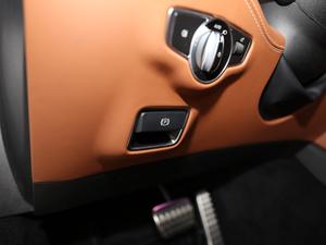2018款AMG S 63 Coupe 4MATIC+ 驻车制动器
