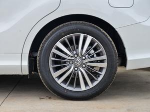 2018款2.4L CVT至尊版 轮胎