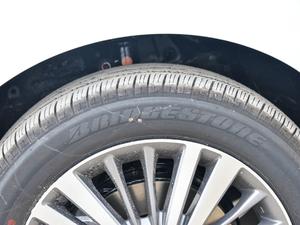 2018款2.4L CVT至尊版 轮胎品牌