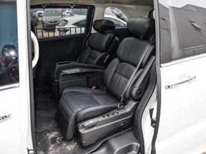 2018款2.4L CVT至尊版 后排座椅