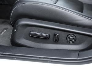 2018款2.0L 锐尊版 座椅调节