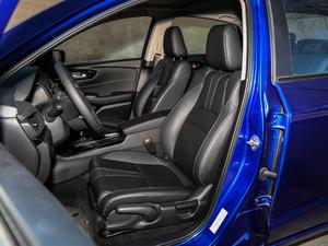 2019款180Turbo CVT旗舰版 前排座椅