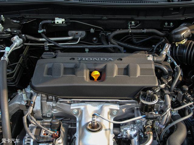 雅阁2.4L CVT智睿版搭载的为一台2.4L自然吸气发动机,其最大功率为137kW(186Ps)/6400rpm,最大扭矩为243Nm/3900rpm。