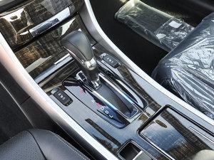 2016款2.4L 新春限量特装版 变速挡杆