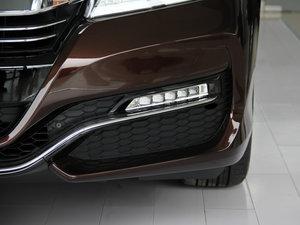 2016款2.4L CVT豪华版 雾灯