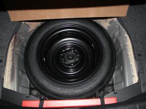 2016款2.4L CVT豪华版 备胎