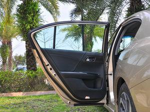 2016款2.4L CVT智尊版 后车门