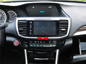 2016款2.4L CVT智尊版 空调出风口