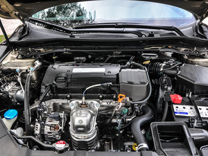 2016款2.4L CVT智尊版 发动机