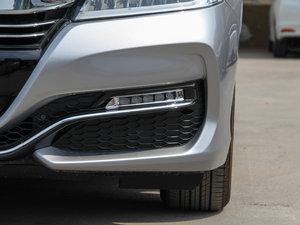 2016款2.4L CVT舒适版 雾灯