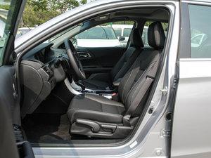 2016款2.4L CVT舒适版 前排空间