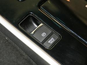 2016款2.0L CVT舒适版 驻车制动器