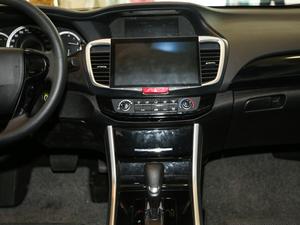 2016款2.0L CVT舒适版 中控台