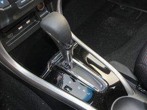 2016款1.8L CVT豪华版 变速挡杆