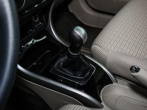 2016款1.8L 手动舒适版 变速挡杆