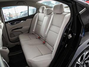 2016款1.8L 手动舒适版 后排座椅