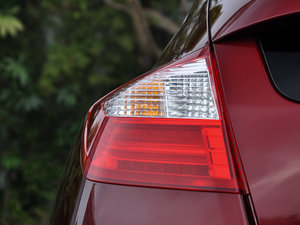 2016款2.4L 豪华版 尾灯