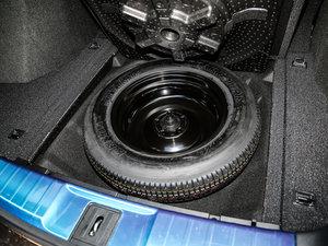2017款370TURBO 四驱尊享版 备胎