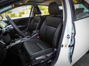 2017款1.5L CVT旗舰版 前排座椅
