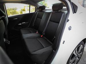 2017款1.5L CVT旗舰版 后排座椅