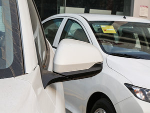 2017款1.8L CVT两驱豪华版 后视镜