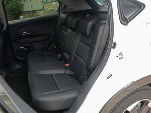 2017款1.8L CVT四驱旗舰型 后排座椅