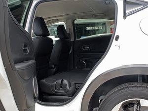 2017款1.8L CVT四驱旗舰型 后排座椅放倒