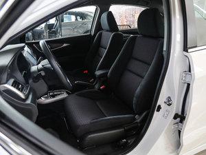 2017款1.8L CVT舒适特装版 前排座椅