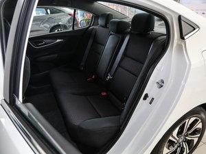 2017款1.8L CVT舒适特装版 后排座椅