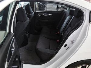 2017款1.8L CVT舒适特装版 后排空间