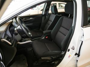 2017款1.8L CVT豪华特装版 前排座椅