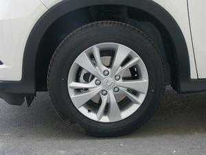 2018款1.5L CVT两驱科技精英型 轮胎