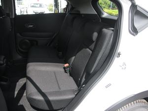 2018款1.5L CVT两驱科技精英型 后排座椅