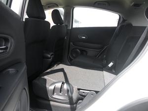 2018款1.5L CVT两驱科技精英型 后排座椅放倒