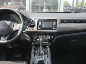2018款1.5L CVT两驱科技精英型 中控台