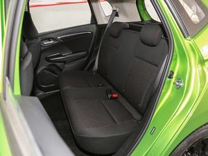 2018款1.5L CVT潮跑+版 后排座椅