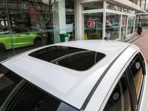 2018款1.5L CVT舒适天窗版 车顶