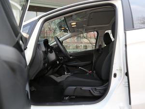 2018款1.5L CVT舒适天窗版 前排空间